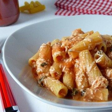 Rezept Pasta con pomodoro e ricotta