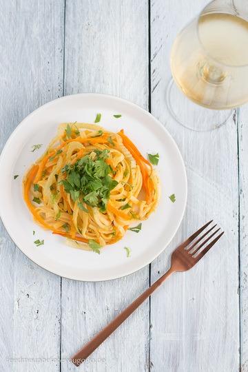 Rezept Pasta in Orangensauce mit Fenchel und Möhren aus dem Ofen