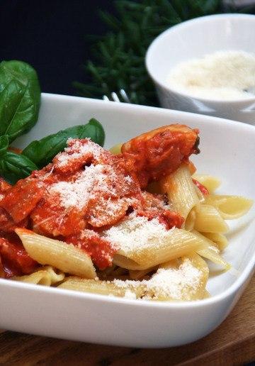 Rezept Pasta mit einer Tomaten-Hühnchen-Champignon-Sugo1
