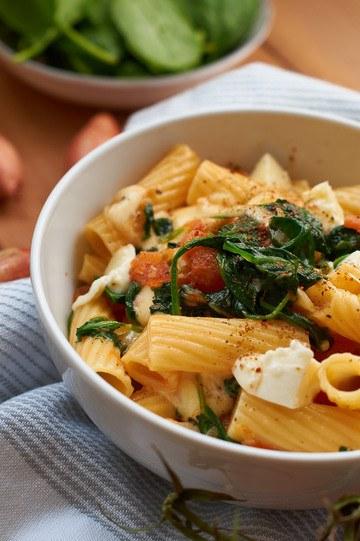 Rezept Pasta mit frischem Spinat und Tomaten