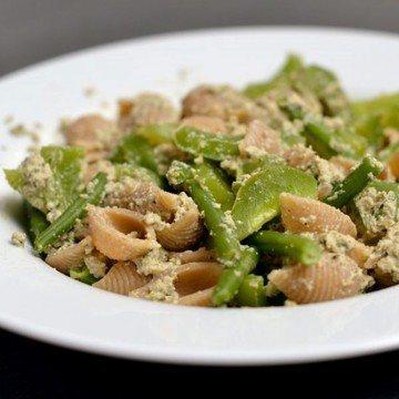 Rezept Pasta mit grünem Gemüse und Basilikum-Tofu-Creme