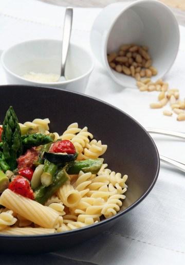 Rezept Pasta mit grünem Spargel und Tomaten