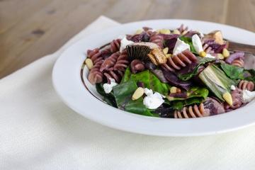 Rezept Pasta mit Mangold, schwarzer Karotte und Champignons
