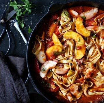 Rezept Pasta mit Meeresfrüchten, Tomaten und Nektarinen