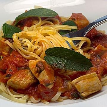 Rezept Pasta mit Tomaten-Tunfisch-Minz-Sauce