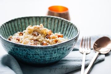 Rezept Paste mit Blumenkohl wie Sahnesauce mit Walnüssen und Datteln