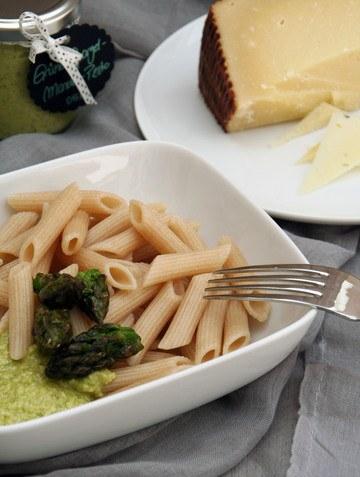 Rezept Pesto aus grünem Spargel und Mandeln