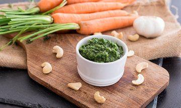 Rezept Pesto aus Karottengrün