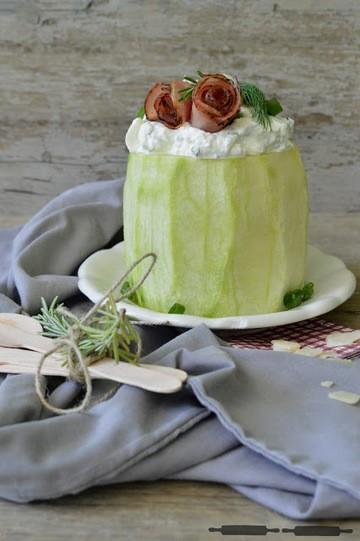 Rezept pikante Melonentorte mit Prosciuttorosen