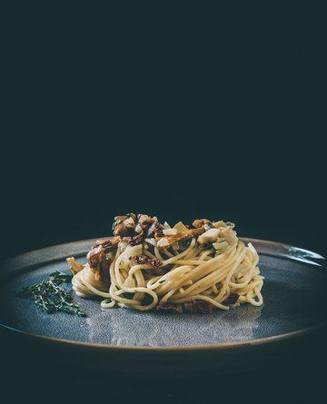 Rezept Pilz-Pasta mit getrockneten Tomaten & frischen Kräutern