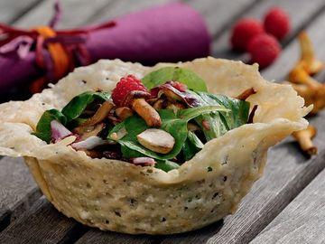 Rezept Pilzsalat im Parmesankörbchen