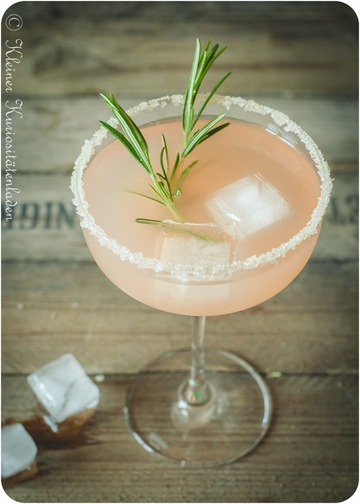 Rezept  Pink Grapefruit Rosemary Greyhound