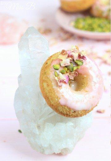 Rezept Pistazien-Rosen-Donuts