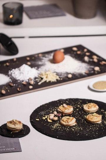 Rezept Pistazienmousse auf Karamell-Biscuit