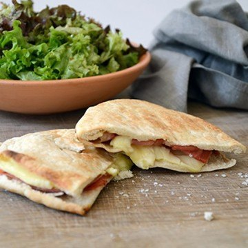 Rezept Pita mit Serrano und Camembert