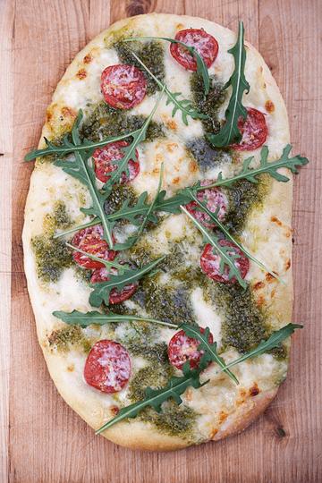 Rezept Pizza mit Rucola-Pesto