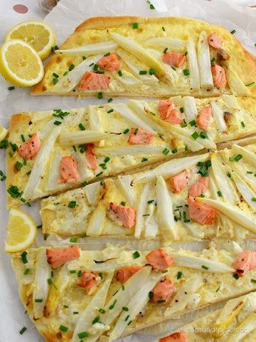 Rezept Pizza mit Spargel, Lachs und Hollandaise