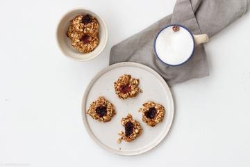Rezept Plätzchen zum Frühstück: Haferflocken-Nuss-Makronen aka Engelsaugen mit Müsli