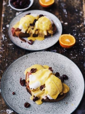 Rezept Pochierte Eier mit Orangen-Hollandaise, Parmaschinken und Spargel