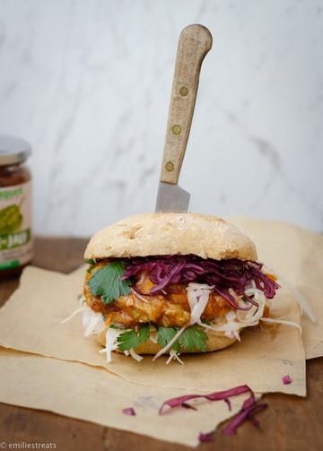 Rezept Pulled-Zucchini-Burger mit Maismehl-Brötchen