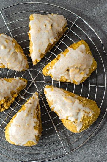 Rezept Pumpkin-Scones mit Vanilleglasur