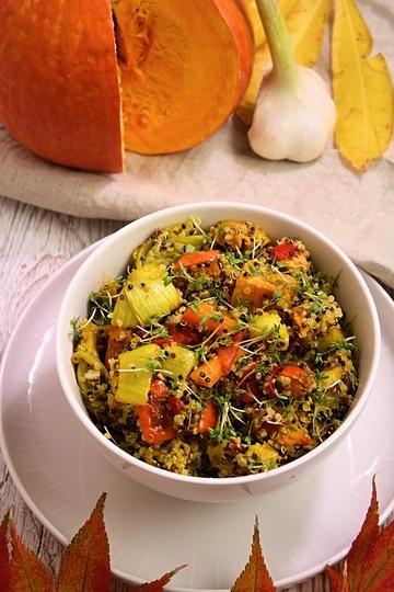 Rezept Quinoabowl mit Ofengemüse und Tahinidressing