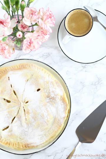 Rezept Rhabarber-Blätterteigkuchen mit Vanillepuddingfüllung