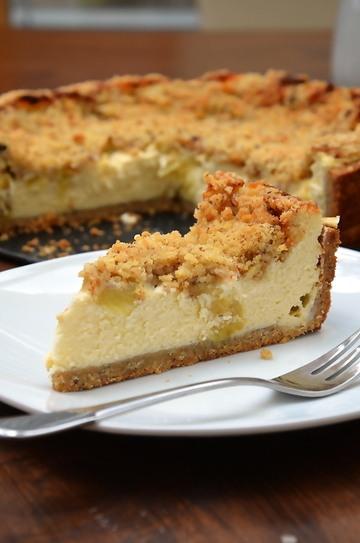 Rezept Rhabarber-Cheesecake mit Nusscrumble