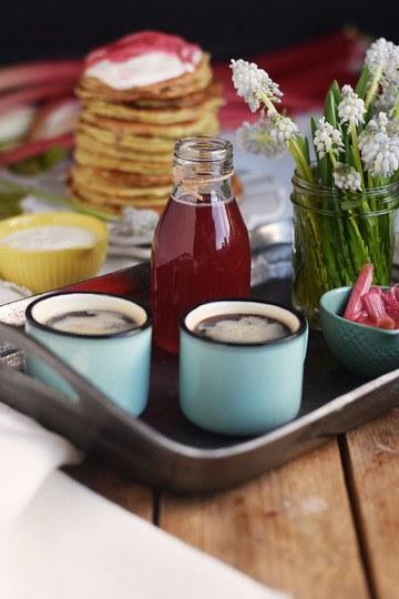 Rezept Rhabarber Sirup und Buttermilch Pancakes