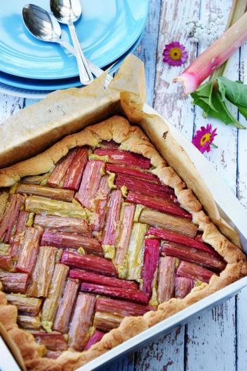 Rezept Rhabarberkuchen mit Pistazienfrangipane