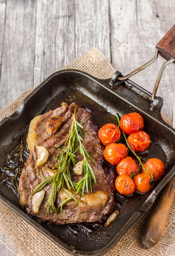 Rezept Rib-Eye Steak mit geschmorten Tomaten