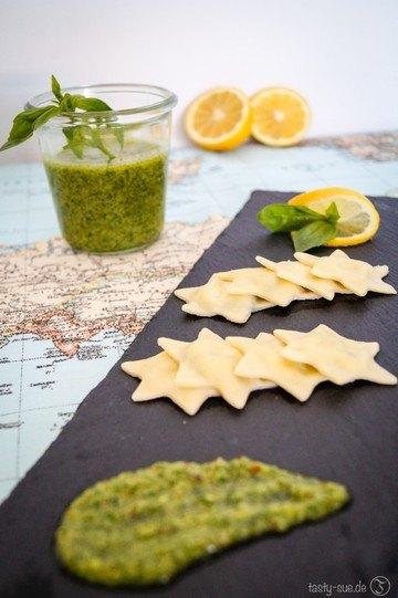 Rezept Ricotta-Spinat-Ravioli mit grünem Pesto