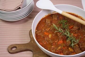 Rezept Rinderragout mit Karotten und Petersielienwurzel