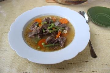 Rezept Rindssuppe mit Graupen und Gemüse