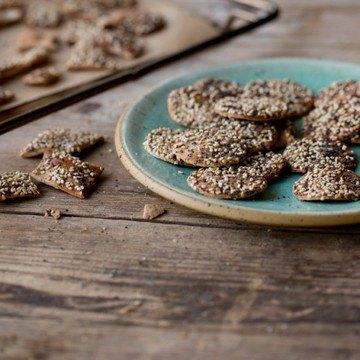 Rezept Roggen-Cracker mit Sesam, Leinsamen und Kürbiskernen
