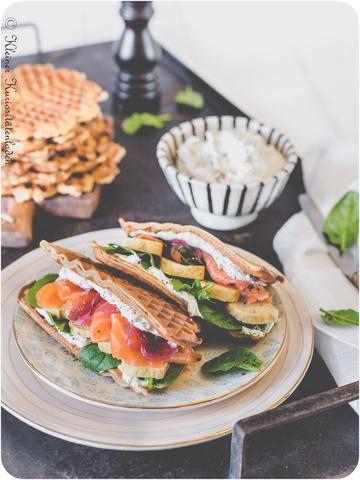 Rezept Roggenwaffel-Sandwich mit Tamagoyaki und Kresse-Frischkäsecreme