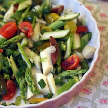 Rezept roher spargelsalat mit zitronen-rosmarin-vinaigrette