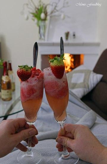 Rezept Romantiesches Erdbeersorbet mit Sekt