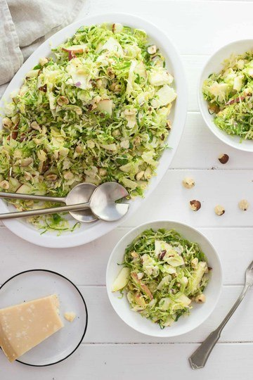 Rezept Rosenkohl-Salat mit Apfel und Haselnuss