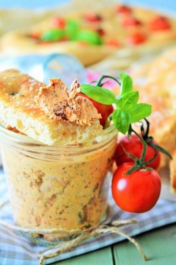 Rezept Rosmarien Foccatia mit Tomatenbutter