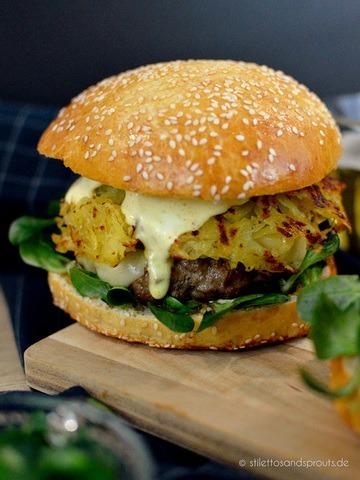 Rezept Rösti-Burger mit Feldsalat und Curry-Mayo