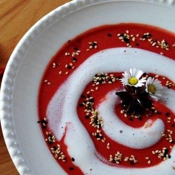 Rezept Rote Beete Cremesuppe mit Sternanis und Kokosmilch