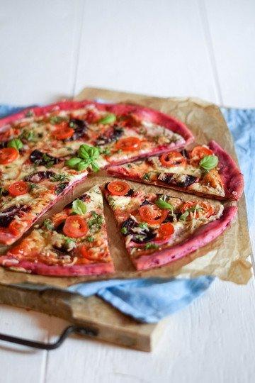 Rezept Rote Beete Pizza – einfach, knusprig, gesund und selbstgemacht