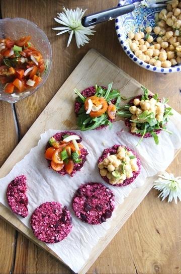 Rezept Rote Beete Taler mit Kichererbsen- und Tomatensalsa
