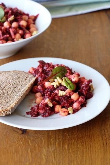 Rezept Rote Bete Salat mit Apfel und Walnüssen