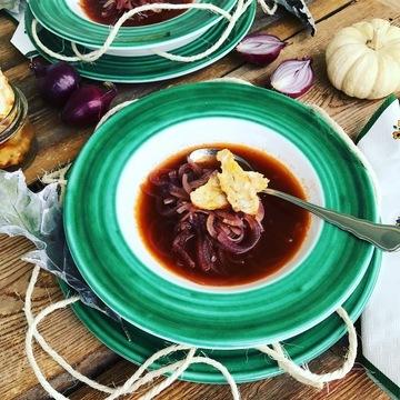 Rezept Rote Zwiebelsuppe mit Kaspressknödel