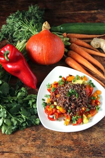 Rezept Roter Quinoa mit Gemüsepfanne