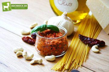 Rezept Rotes Pesto mit getrockneten Tomaten