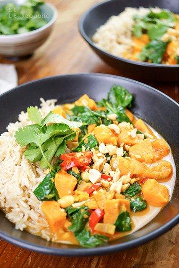 Rezept Rotes Thai Curry mit Süßkartoffeln und Erdnüssen