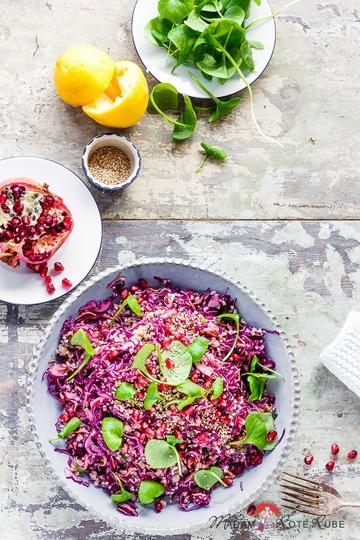 Rezept Rotkohlsalat mit Bulgur und Tahin-Zitronen-Dressing gegen Wintergrau